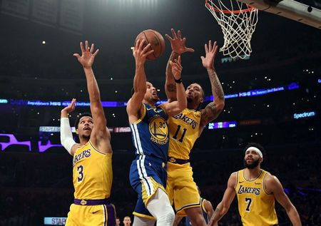NBA lakers action